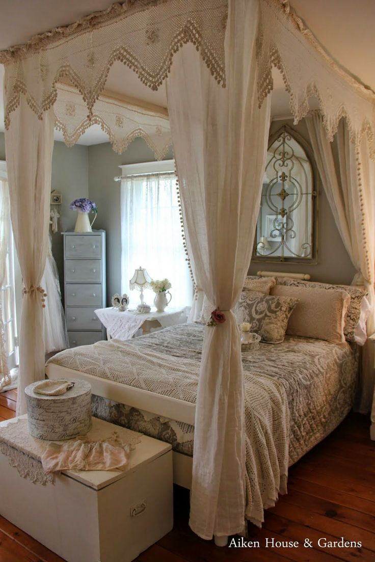 baule in stile shabby chic per dare classe alla vostra casa il blog italiano sullo shabby chic. Black Bedroom Furniture Sets. Home Design Ideas