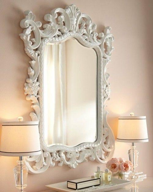 Specchi e cornici in stile shabby chic