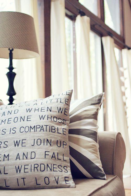 Tutorial per creare cuscini shabby con scritte personalizzate