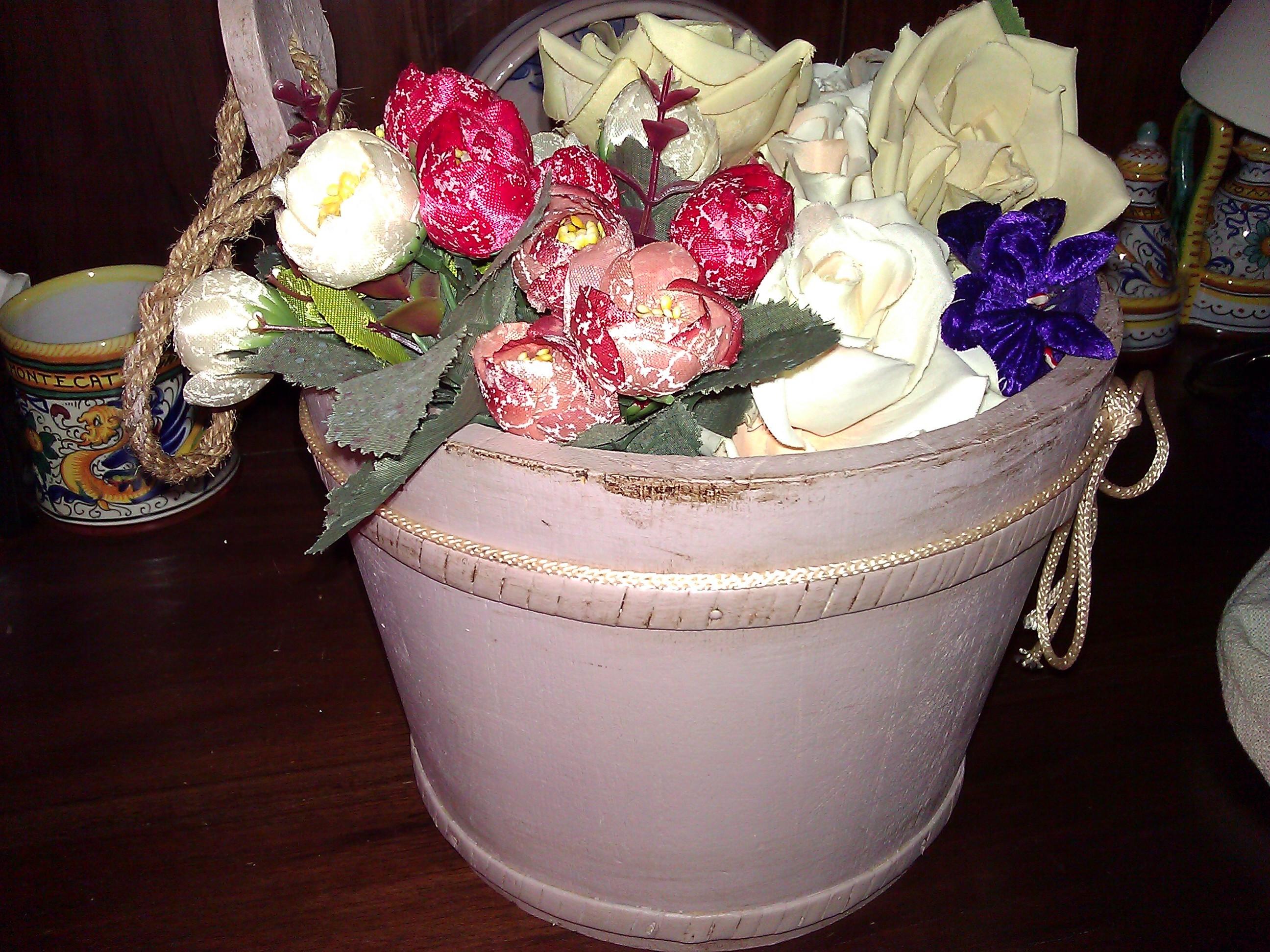 Porta fiori in legno stile shabby