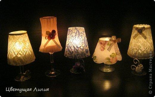 Ispirazione per creare dei lumetti porta candele shabby realizzati con dei calici da vino