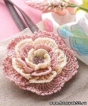 Creazione di fiori all'uncinetto per ambienti Shabby Chic