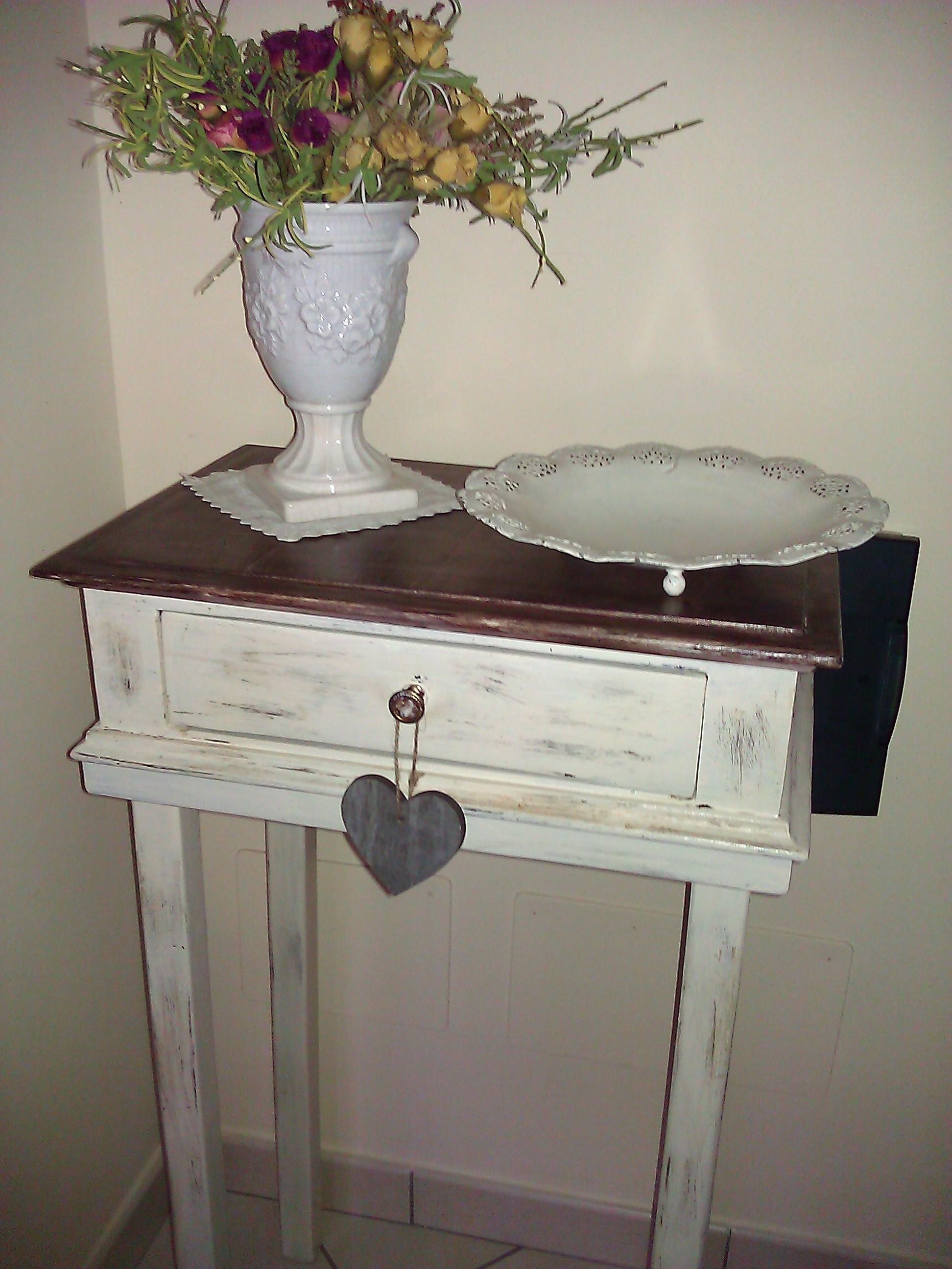 Piccolo Tavolinetto In Stile Shabby Chic Il Blog