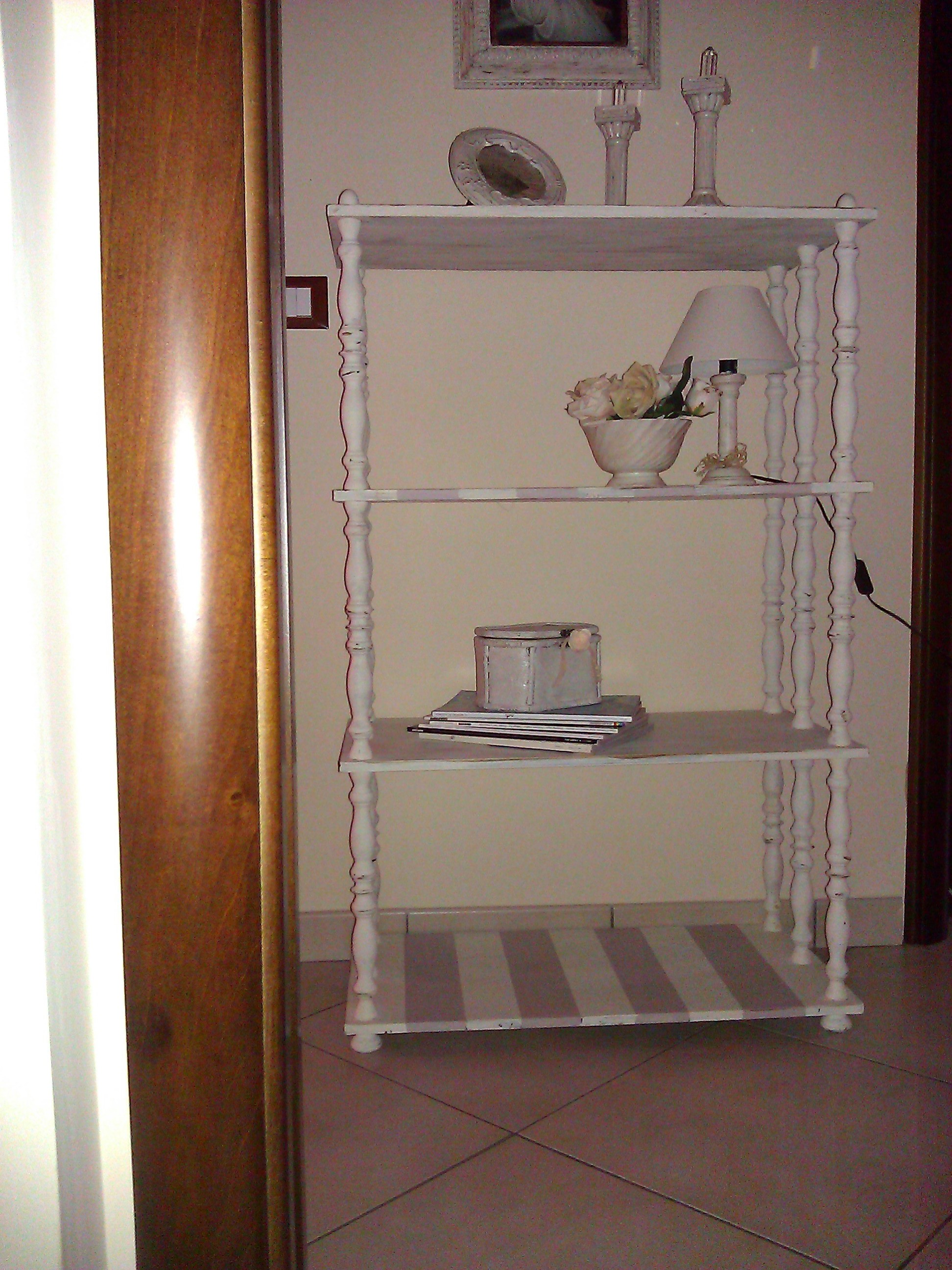 Etagere in stile Shabby Chic