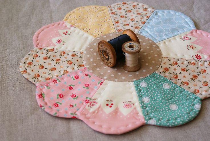 Centrini in patchwork di tessuti provenzali in cucine for Tessuti provenzali