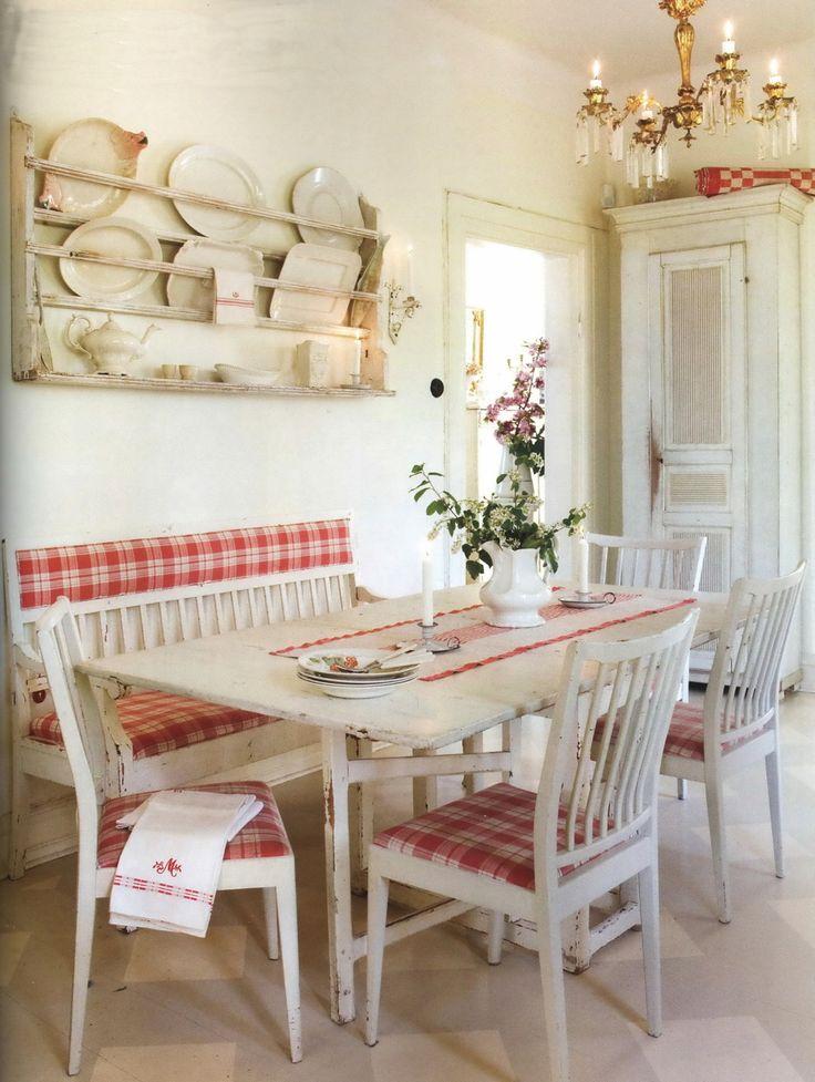 A tavola con i quadrati e i pois in stile shabby chic il - Casa shabby chic country ...