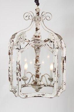 Vecchi lampadari in stile shabby chic il blog italiano for Shabby chic blog italiani