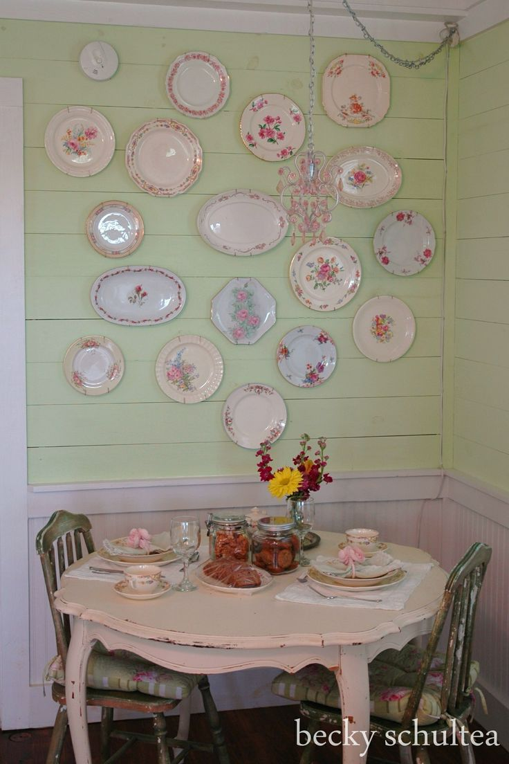 Vecchi piatti da esporre sulla parete
