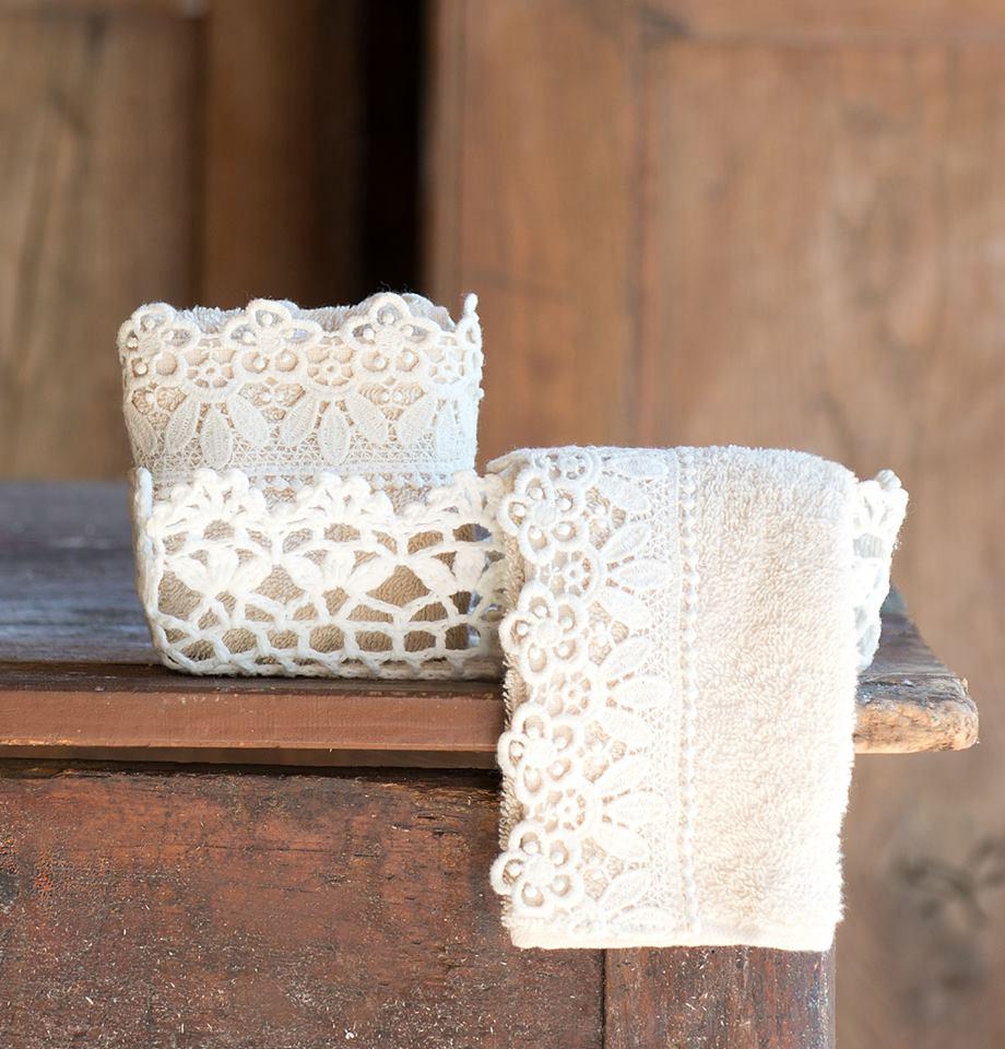 Porta tovaglie all'uncinetto e piccoli oggetti per un bagno stile Shabby - Il blog italiano ...