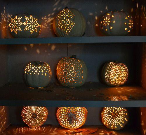 Decorare le zucche per la festa di Halloween