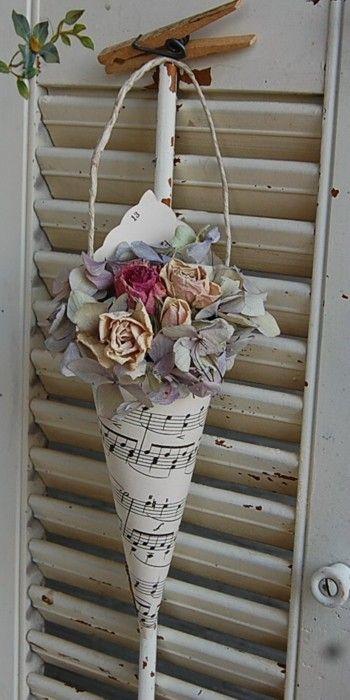 Simpatici coni porta tutto di carta shabby il blog for Shabby chic blog italiani