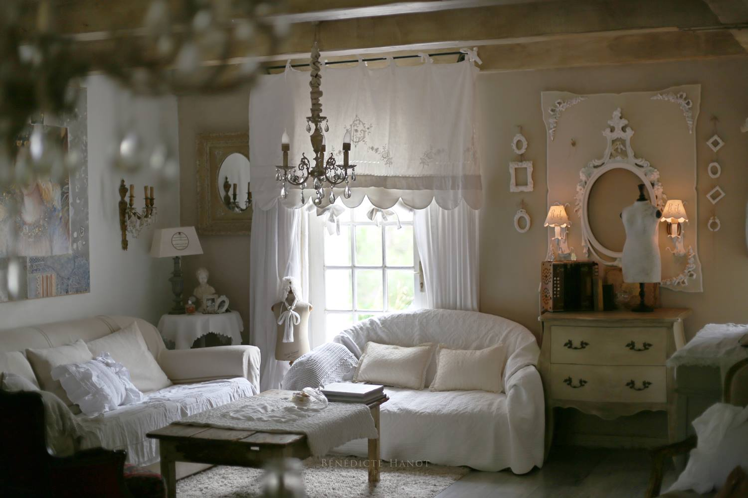 paralumi in stile shabby realizzate con pizzi e centrini il blog italiano sullo shabby chic e. Black Bedroom Furniture Sets. Home Design Ideas