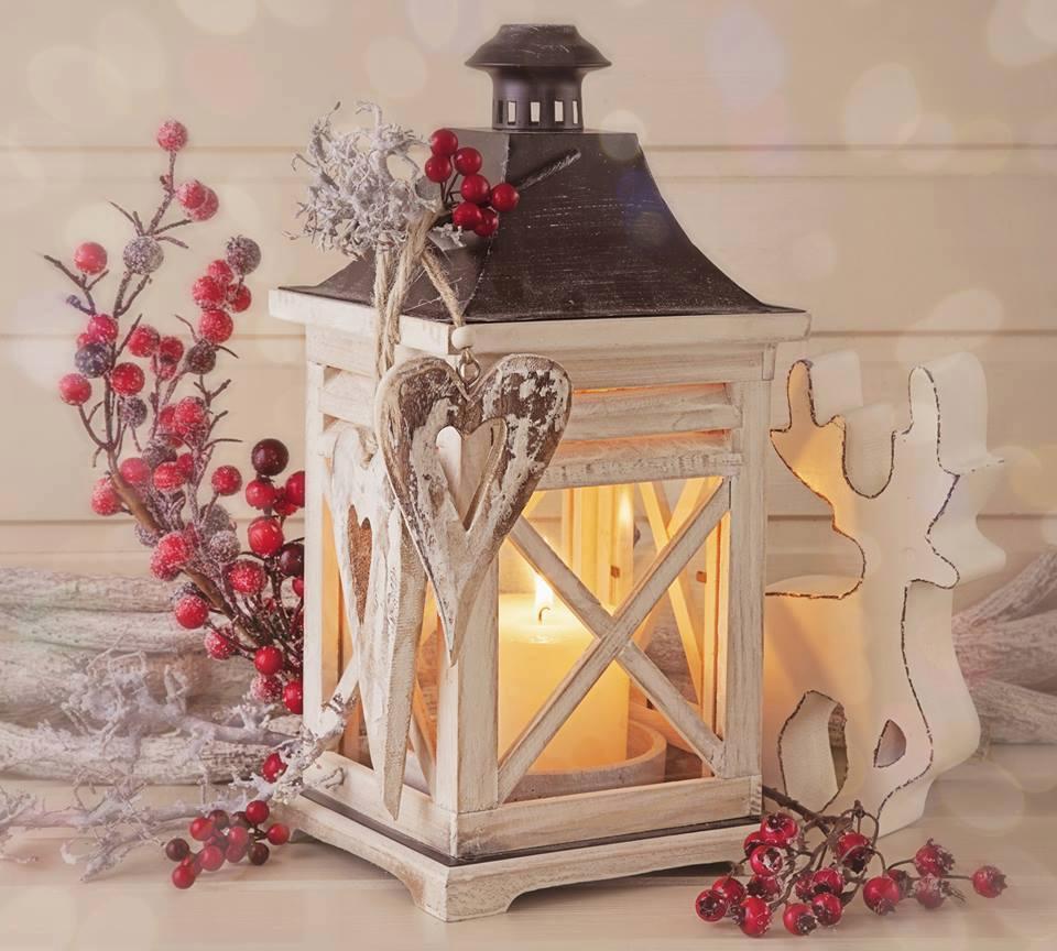 Bellezza  e semplicità dell'Agrifoglio e Vischio nelle decorazioni Natalizie