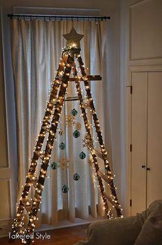 Vecchie scale adibite ad Albero di Natale Shabby