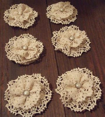 Tutorial per realizzare dei simpatici fiori con il merletto