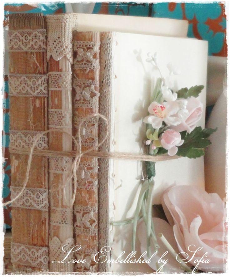 Decorare vecchi libri con merletti e pizzi
