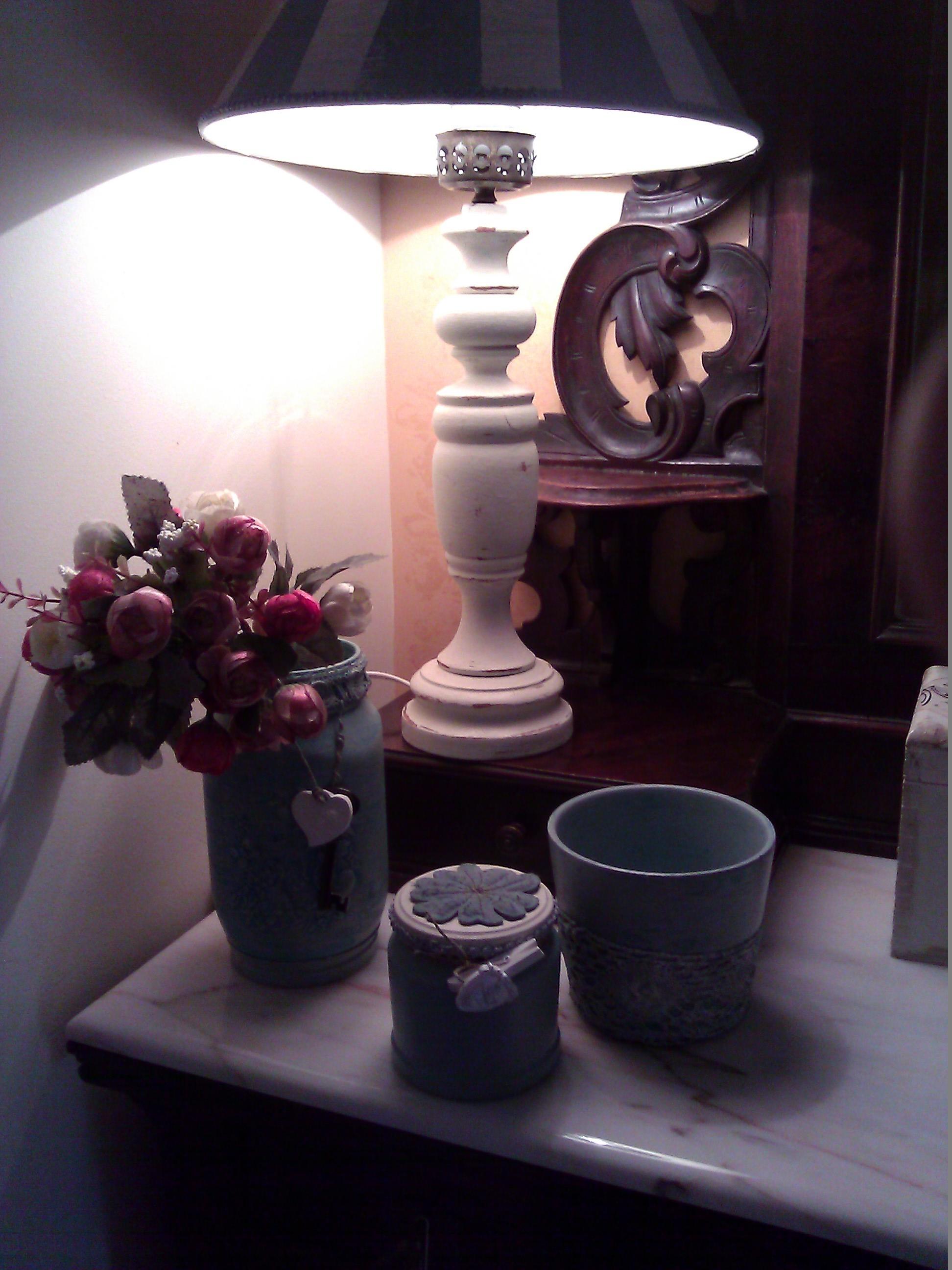 Vasetti pitturati e con simbologie shabby