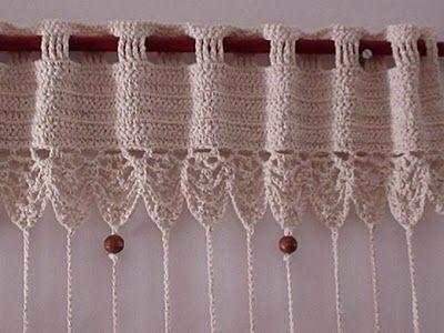 Tende a fili realizzate con lavorazione all'uncinetto