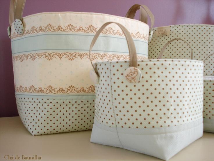 Raffinati, belli e decorativi cestini in tessuti Provenzali Shabby