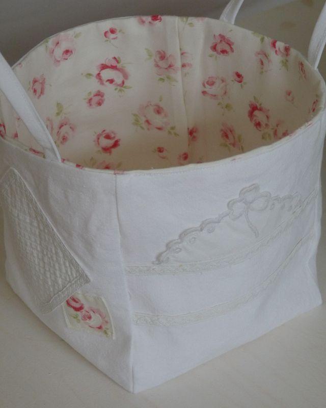 Raffinati belli e decorativi cestini in tessuti for Tessuti provenzali