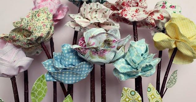 Deliziosi fiori Shabby realizzati in tessuto Provenzale e con tutorial