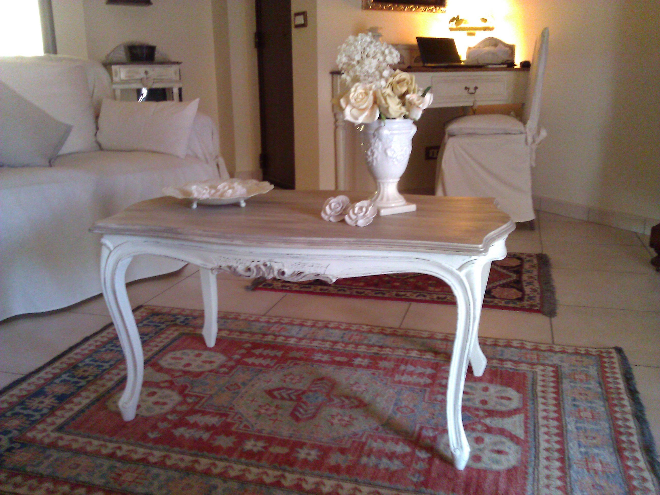 Tavoli Stile Shabby Chic : Vecchio tavolo scrivania riportato in stile shabby chic il blog