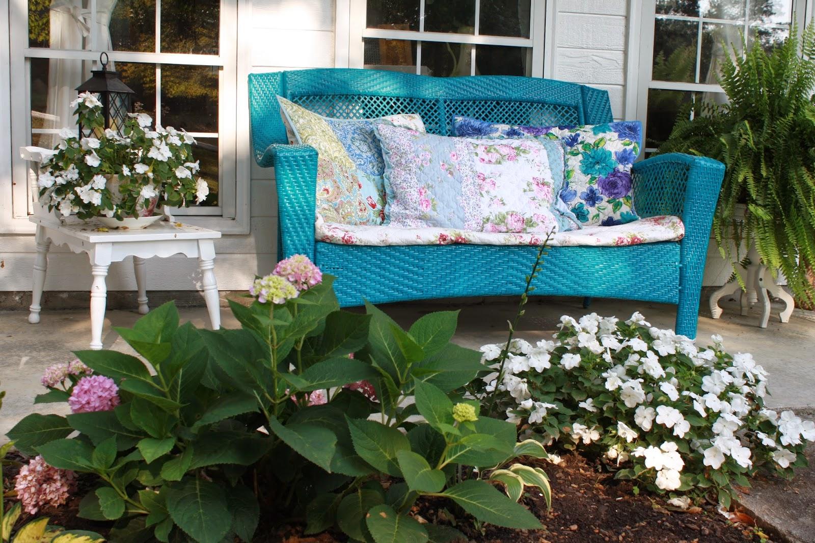 Fiori odori e colori nei giardini in stile Shabby