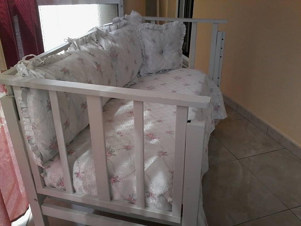 Come trasformare un lettino culla in un divanetto Shabby