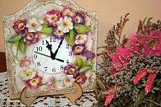 Tutorial per creare un orologio da tavolo Shabby con decoupage