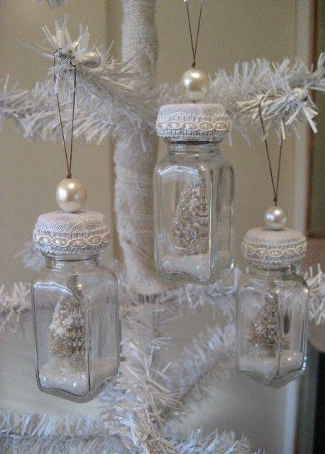 Barattoli e contenitori di vetro in tema Natalizio