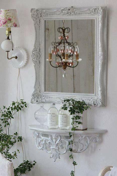 Piccole consolle da parete in stile Shabby Chic