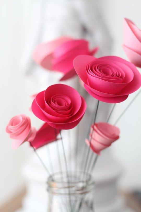 Tutorial per creare delle semplici roselline di carta