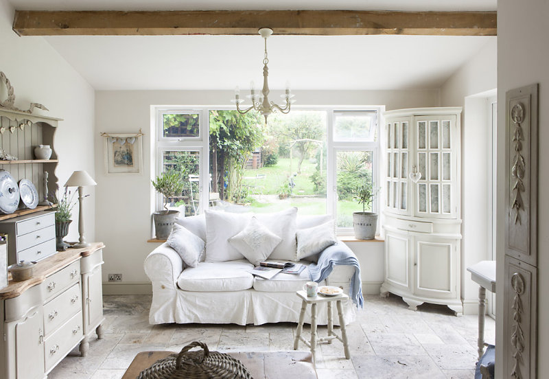 Bellissimi arredi in stile shabby in un cottage inglese for Piccolo cottage inglese