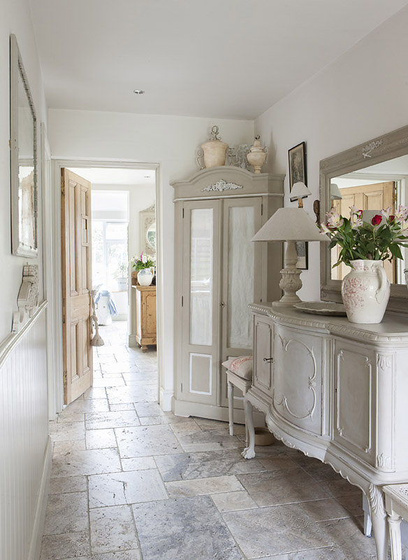 Bellissimi arredi in stile shabby in un cottage inglese for Country style arredamento