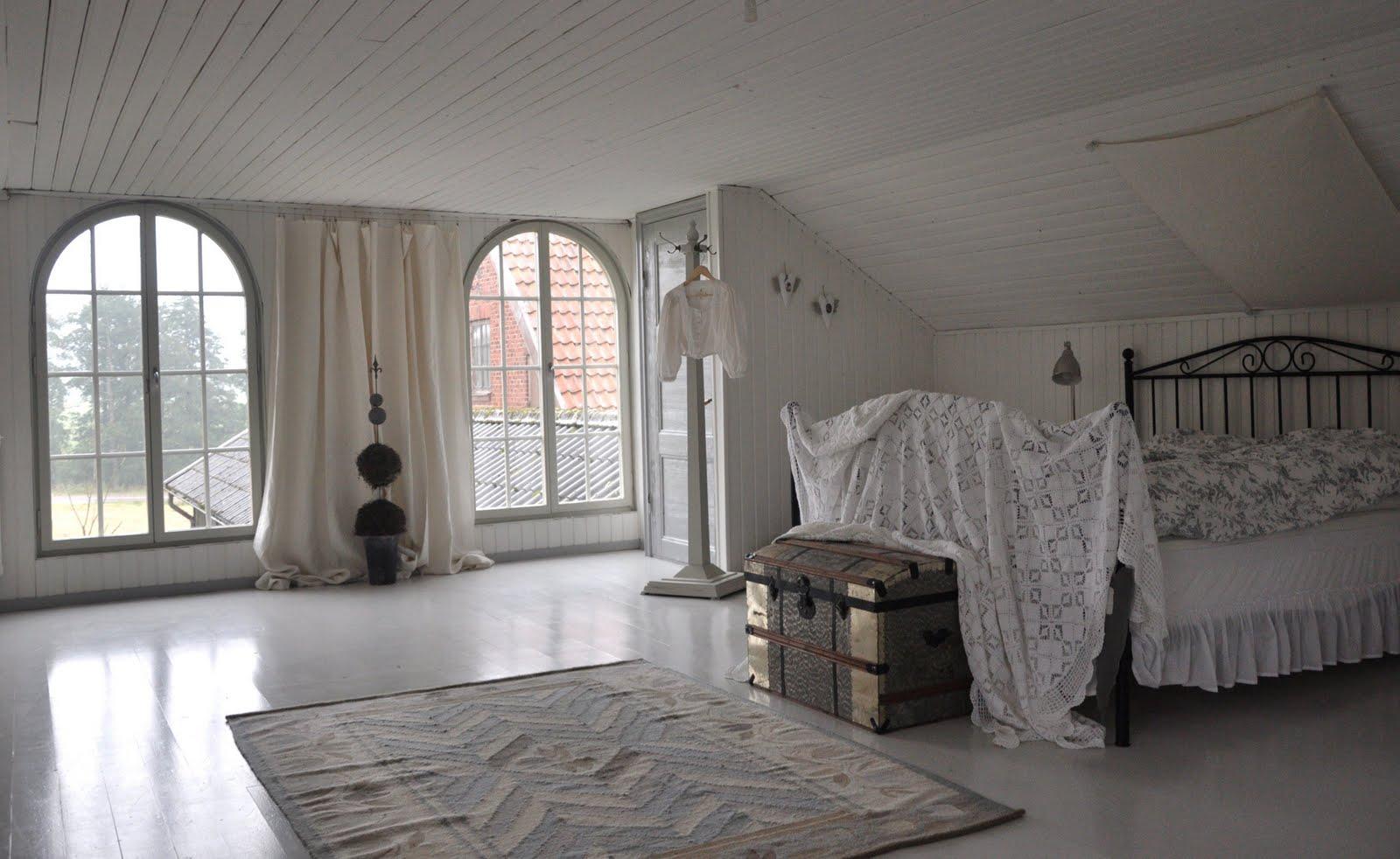 La casa di Susanne in Svezia, crocevia tra stile Shabby, Antiquariato, Vintage e Victoryano