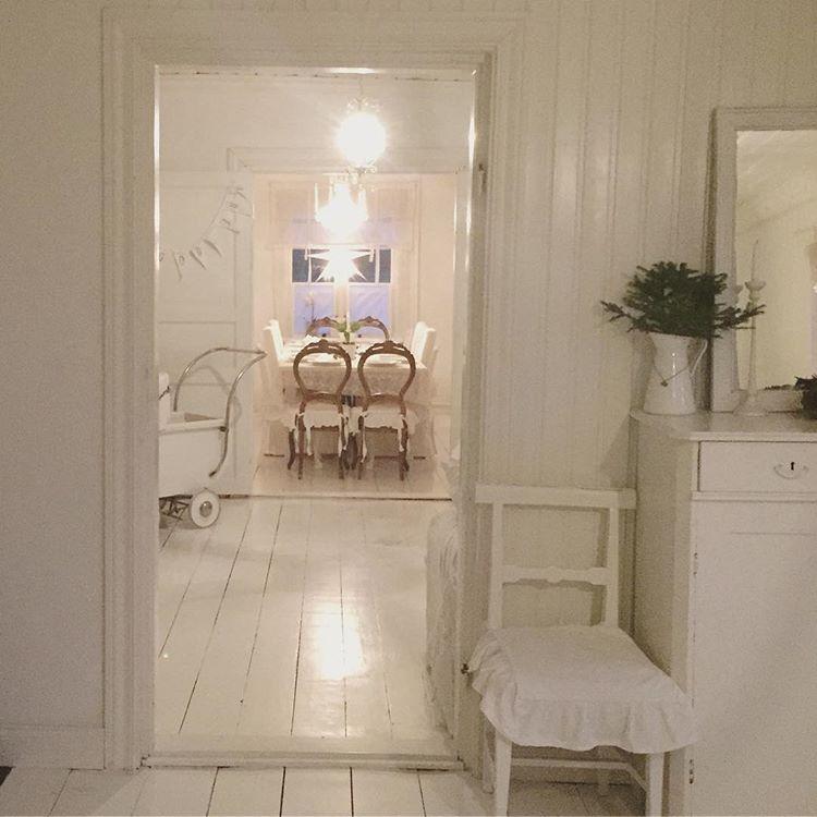 Matrimonio Shabby Chic Total White : Total white per l arredamento shabby chic il