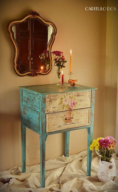 Tutorial di come creare disegni floreali sui mobili in stile Shabby