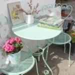 Fiori, colori e profumi, idee per arredare giardini e balconi in stile Shabby