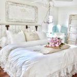 E voi cosa mettereste sopra una testata di un letto in un ambiente Shabby?
